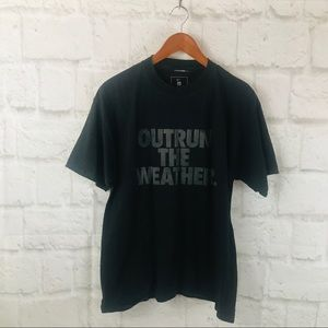 Men's Nike outrun the weather Tee M10